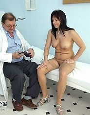Mature Livie and her gyno exam with speculums and dildo therapy