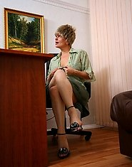 Mom caught jerking in office