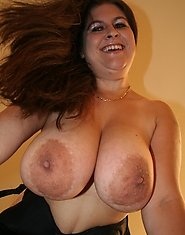 Huge breasted housewife shaking them titties