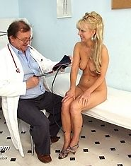 Older Anezka pussy gyno exam by experienced but kinky gyno doctor