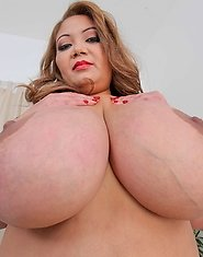 Hot sexy plumper Miss Lingling may have requested a female masseuse for her private massage, but she'll have to trust Brad to be professional dur