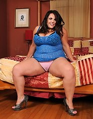 One of the sexiest BBWs in the industry Jane Kush is here to go interracial!