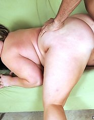 Veronica Vughn takes herself a nice big black dick to her snatch!